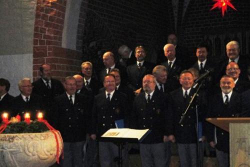 2010 - Kirche Steffenshagen 2010 - Benefizkonzert am 3. Advent begeisterte Zuschauer