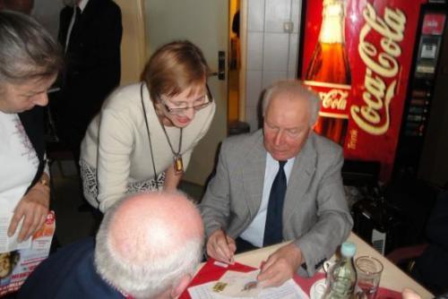 2011 - Heulbojen treffen Kosmonauten Grosses Hafenkonzert 09.01.2011 im NEPTUN Talkgast: Dr. Sigmund Jähn