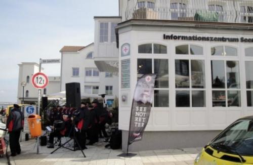 2013 - Heulbojen bei den Seenotrettern Benefizkonzert zur Wiedereröffnung des Informationszentrums der DGzRS in Warnemünde